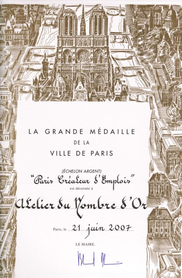 savoirs-faire-medaille-paris-atelier-nombre-or-doreur-feuille-bois-staff-métal-verre-résine-plâtre-bruno-toupry-restaurateur-designer-oeuvre-art-reparure