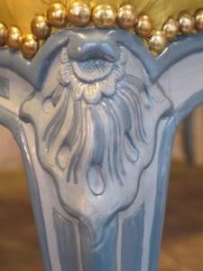 Atelier du nombre d'or est une entreprise traditionelle de restauration de mobiliers.