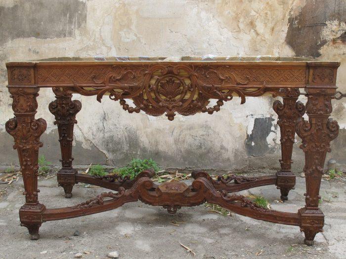 console-avant-restauration-atelier-nombre-d'or-doreur-feuille-d'or-bois- staff-métal-verre- résine-plâtre-bruno-toupry-restaurateur-designer-oeuvre-art-paris-dorure-sculpture-or