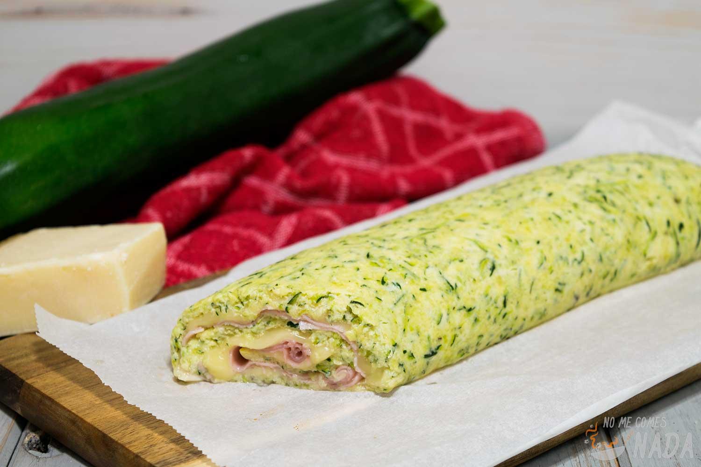 Rollo de calabacín con jamón y queso
