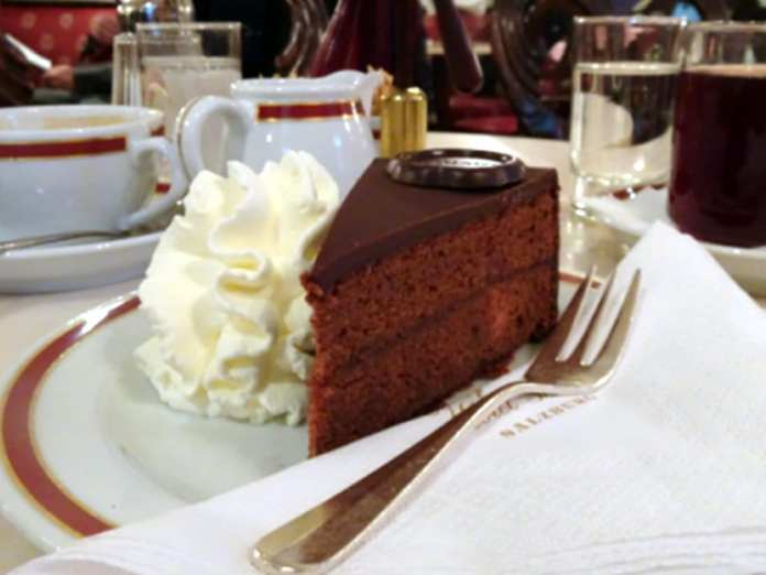 Best things to eat in Europe - Sacher Torte