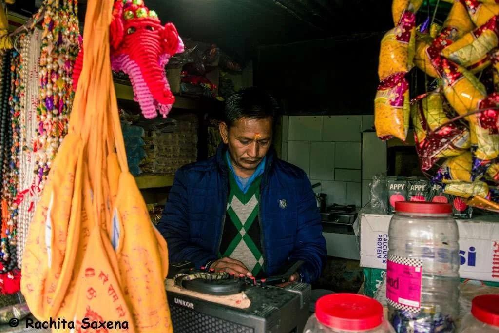 India's Last Tea Stall Owner, Mana