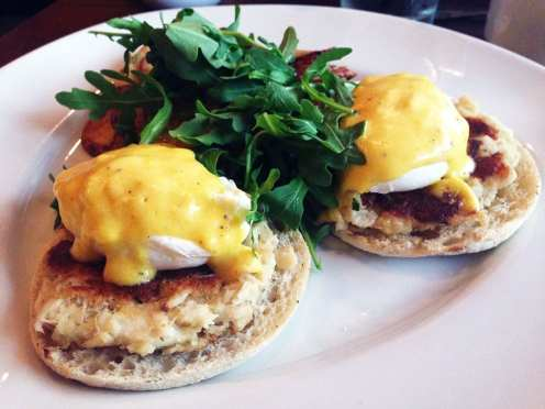 Crab Cake Eggs Benedict Brunch @ McGinty's