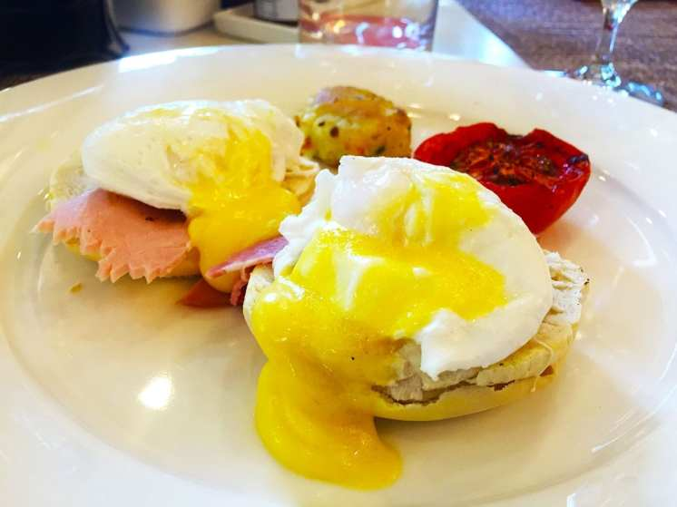 Eggs Benedict @ Le Jardin Breakfast Buffet at Oberoi Hotel in Bangalore India