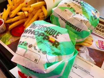 Wrapped-Impossible-Whopper-@-Burger-King-3