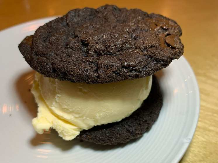 Ice Cream Cookie Sandwich @ Haikan