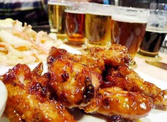 The Park Pub at English Bay Pub | Wings and Craft Beer Flights