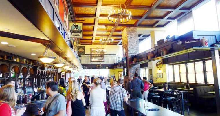 Dubh Linn Gate Vancouver | Irish Pub Main Terminal