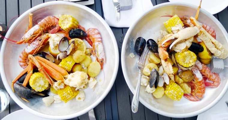 Best Seafood Boils in Vancouver | Crabs, Prawns, Mussels Oh My!