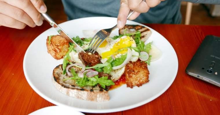 OLO Restaurant Victoria | Brunch in Chinatown