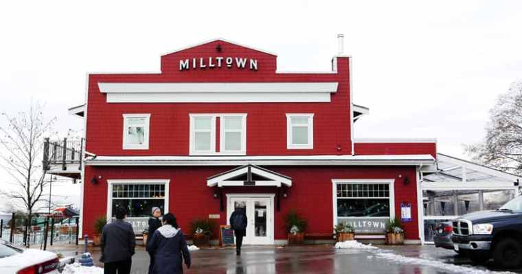 Milltown Bar and Grill Richmond | Pub in Vancouver Marpole Area