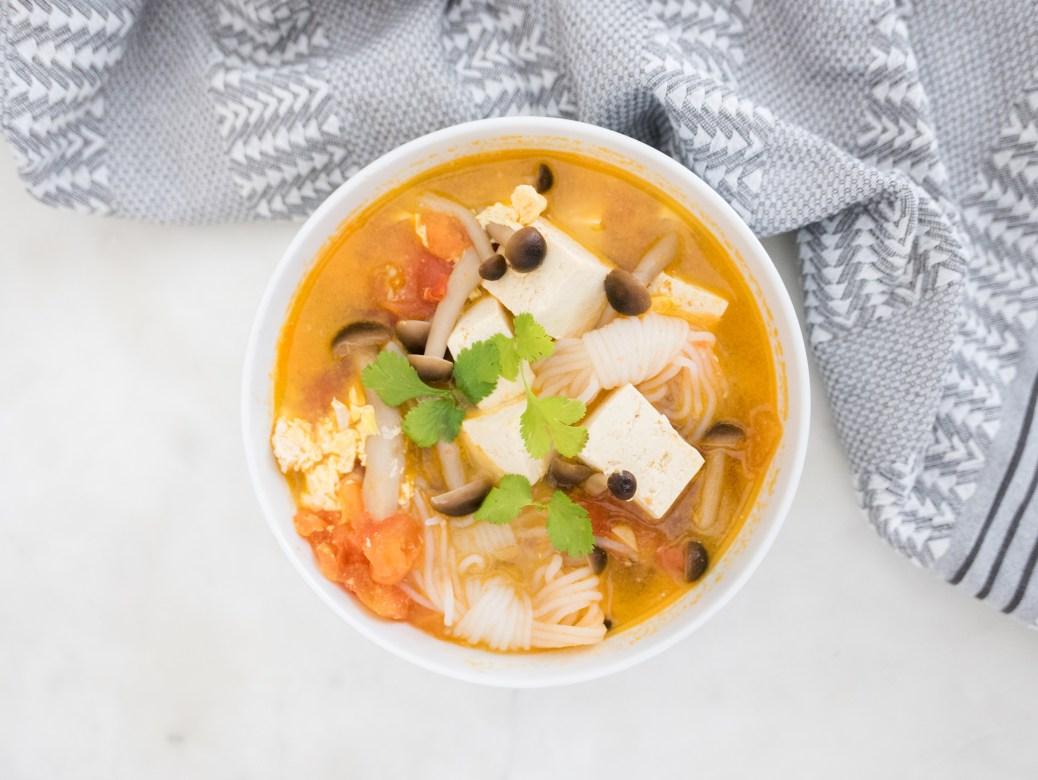 10 Minute Tomato Tofu Soup Recipe 蕃茄鴻喜菇豆腐湯生酮減肥