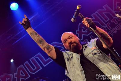 Ex-vocalista do Iron Maiden tocou em Porto Alegre no dia 19, em show registrado para um DVD.