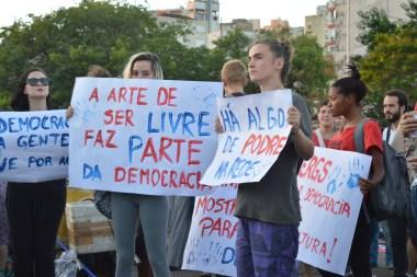 Mais de 2 mil pessoas participaram do ato, segundo os organizadores Foto: Thays Cruz)