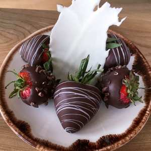 Maine resort chocolate covered strawberries