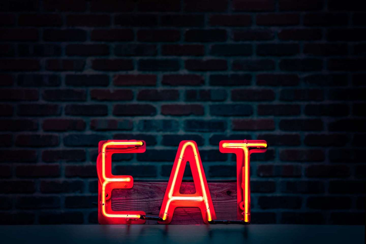 LED sign saying 'EAT'