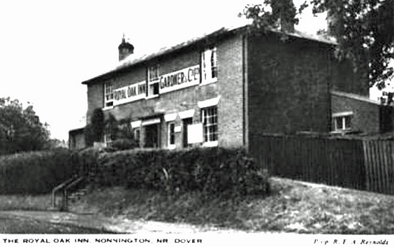 The Royal Oak in the 1950's, land-lord R. Reynolds