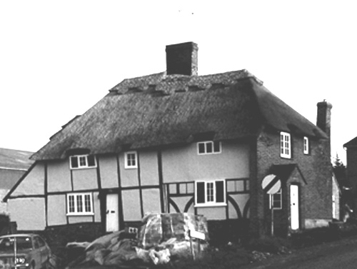 Easole-Thatched cottage bottom of Mill Lane 1990's B&W crop