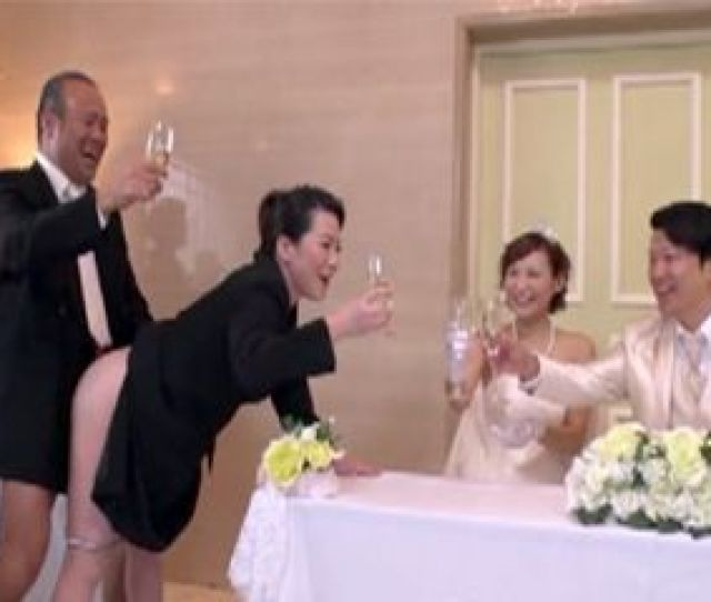 Brides Mom And Grooms Dad Banging In Front Of Newlyweds On Traditional Wedding Ceremony Nonktube Com