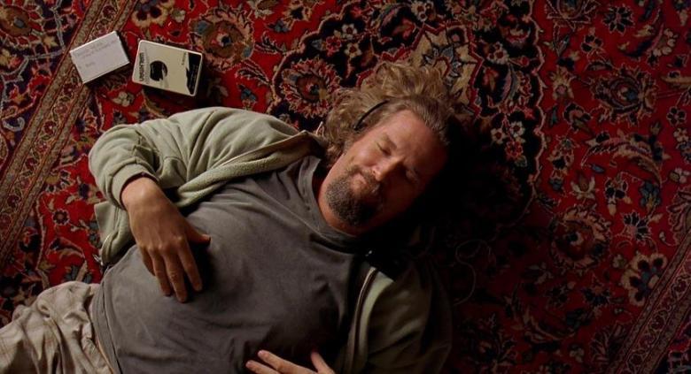 Il grande Lebowski citazioni e dialoghi di Joel Coen con Jeff Bridges, John Goodman, Julianne Moore, Steve Buscemi, Drugo, sul tappeto