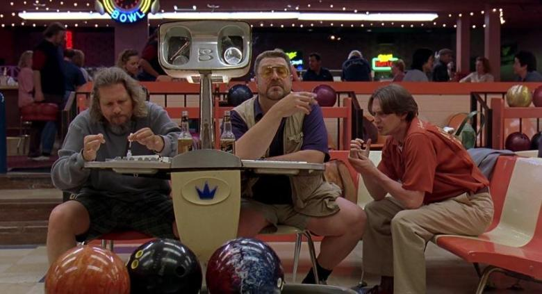 Il grande Lebowski citazioni e dialoghi di Joel Coen con Jeff Bridges, John Goodman, Julianne Moore, Steve Buscemi, Drugo palle da bowling