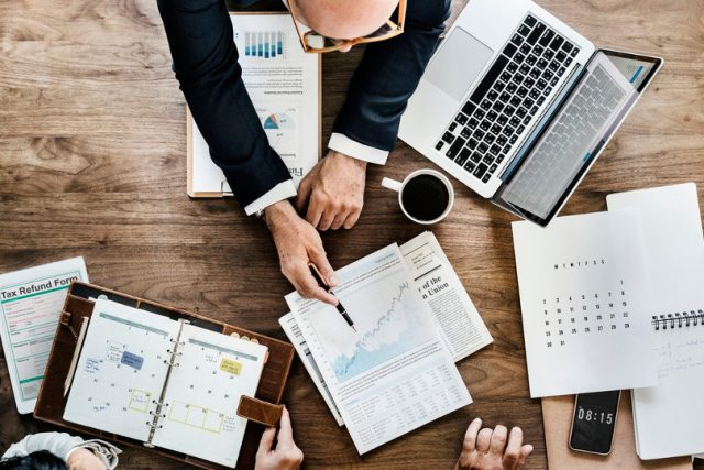 Business analysis using analytical tools