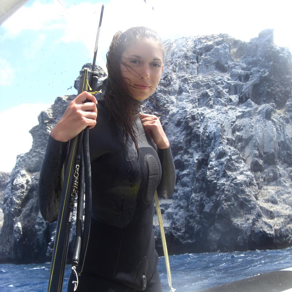 Shore Diving Wet Suit. Guide for Shore Dive Spearfishing