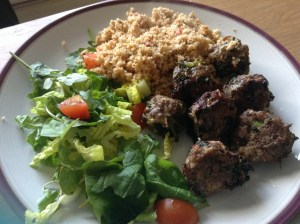 Spicy Cauli-Rice Served with Meatballs and Salad