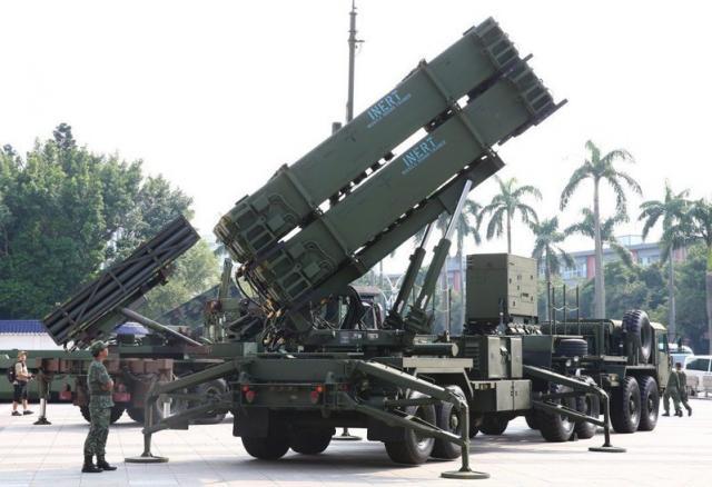 多項重大軍購在明年度進入付款高峰,漲幅最大的空軍愛國者飛彈,比今年度多一二九億元。圖/聯合報系資料照片