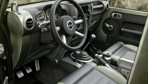 2018 Jeep Wrangler Pickup Interior