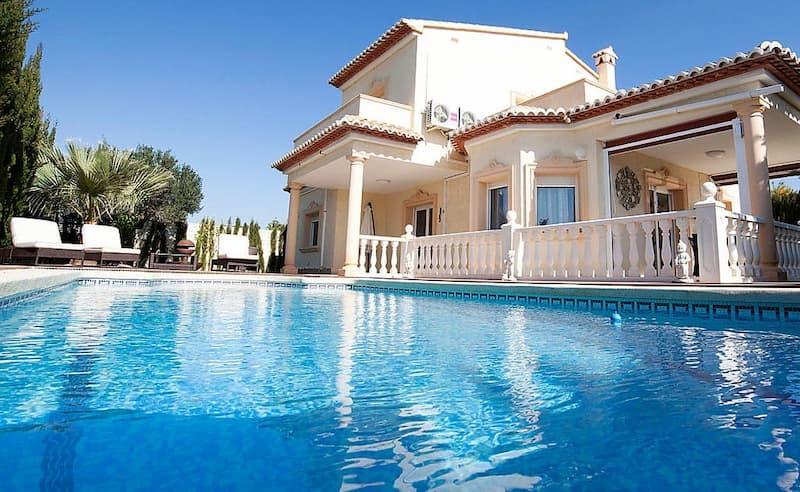 location de villas avec piscine privee