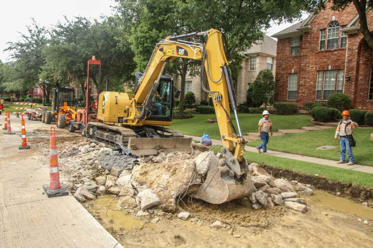 Concrete road construction Dallas Neighborhood. Pavement Services Corporation.