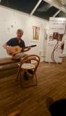 Roland Hogman spelar på sin vihuela 2