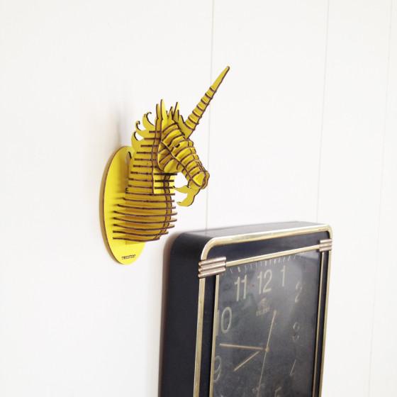 獨角獸掛飾(黃,金黃色的獸聚集在世界的盡頭。 村上春樹小說裡總是出現的「乳房形狀良好」的女孩,未組裝) | 北歐櫥窗 NORDIC