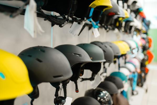 rows-of-ski-and-snowboarding-helmets-sports-shop.jpg