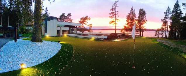 Villa Upinniemi syksyllä