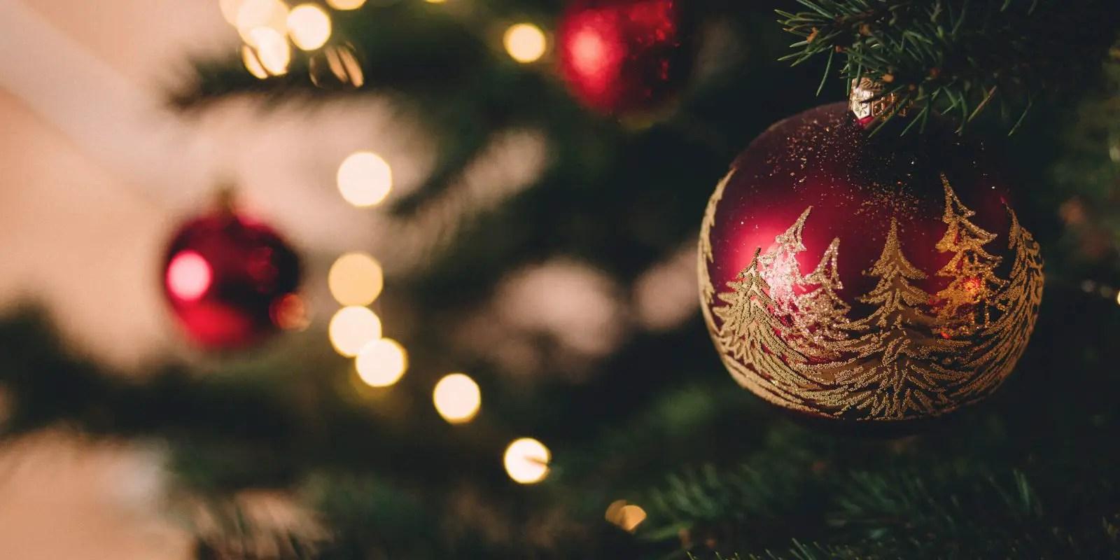 God jul artikel (på bild en julkula)