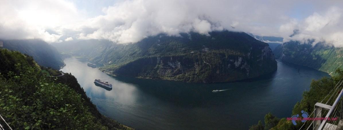 Panoramablick auf den Geirangerfjord