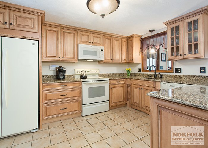Tewksbury kitchen remodel with Maple cabinets - walnut glaze on Maple Cabinets With White Countertops  id=91691