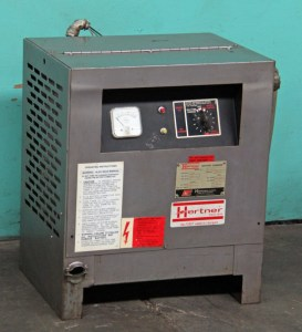 Hertner 12 Volt Lead / Acid 6-Cell Battery Charger