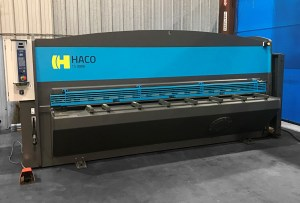 "Haco 10' x 1/4"" Hydraulic Guillotine Shear with 40"" CNC Backgauge, TS-3006"