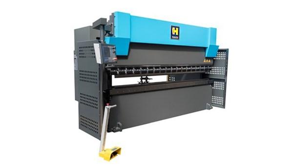 Haco 12′ x 220 Ton CNC Hydraulic Press Brake, SRM 220 12 10