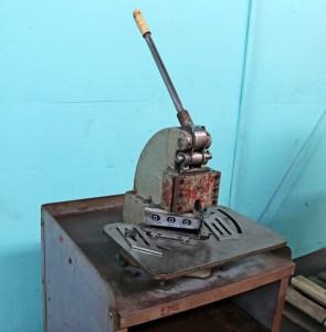 Metalex 16 Gauge Hand Corner Notcher, FR-M616