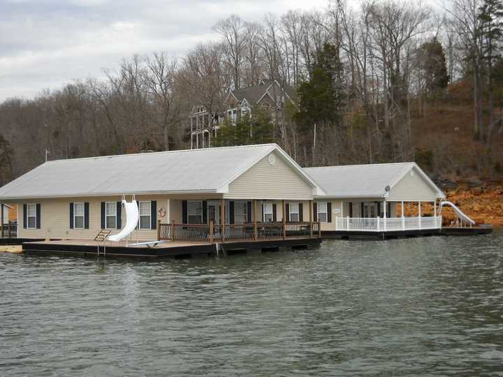 Cool Floating Holiday Norris Lake Interior Design Ideas Greaswefileorg
