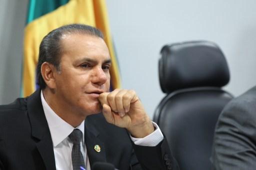 Resultado de imagem para senador ataides oliveira