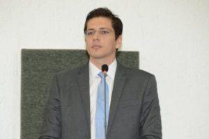 Deputado é acusado de extrair areia do Rio Araguaia, de forma ilegal, para construção de praia particular