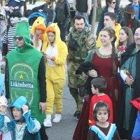 Los desfiles infantiles y una velada nocturna con Baile de Máscaras inauguran los tres días de Carnaval en Tres Cantos
