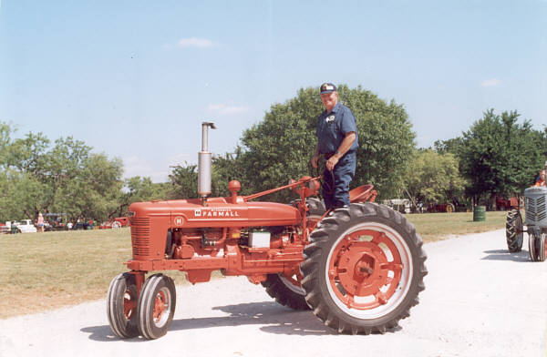 Pictures Of Antique Tractors