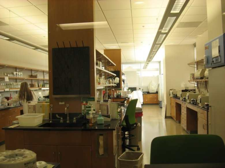 One of the labs at the State Public Health Lab which opened in early 2013. State Medical Examiner Deborah Radisch told lawmakers Monday that, in order to be accredited, her department needed about 10 extra staff people.