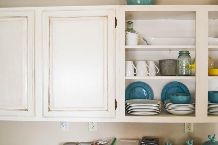 How to: Glaze Kitchen Cabinets